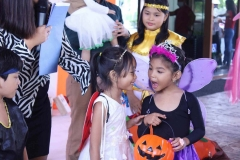 Halloween-Trick-or-Treat-15